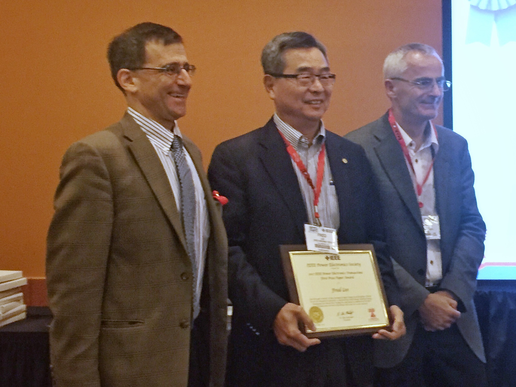CPES Professor Dr. Fred C. Lee receives First Place in the TPEL Prize Paper Award.
