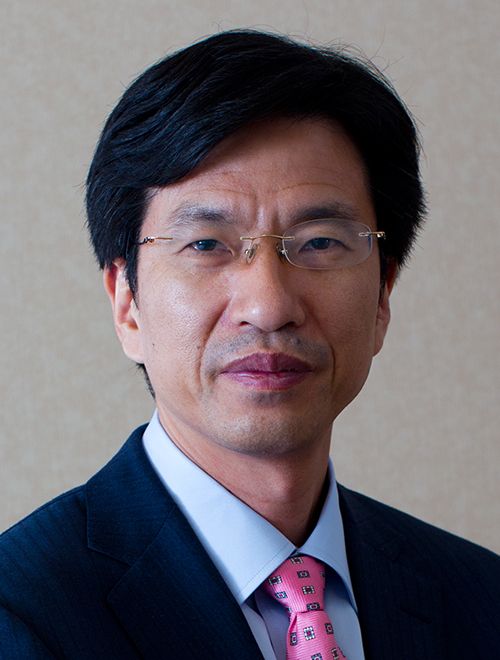 Portrait of Gary Hua